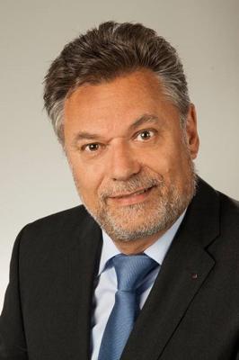 Porträtbild Albert Hollenstein, Präsident des Schulrates